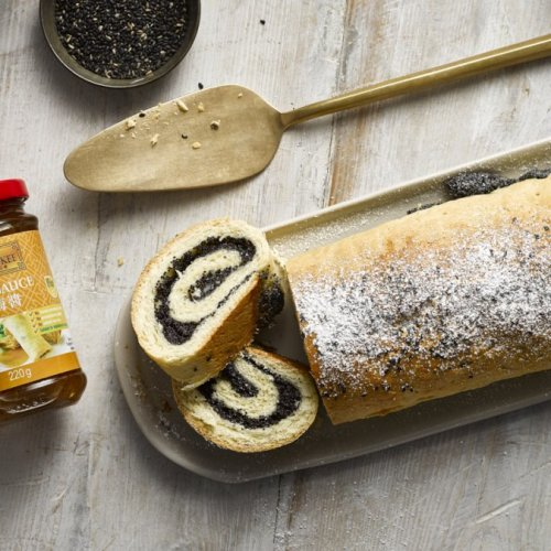 Poppy Seed Rolled Cake
