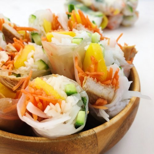 Summer Rolls with Chicken and Mango