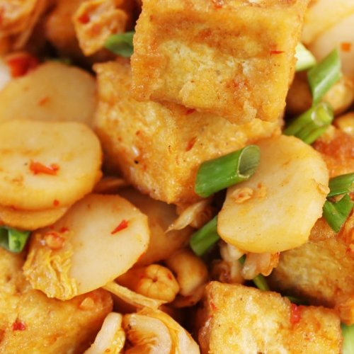 Crispy Spicy Garlic Tofu with Chinese Leaf