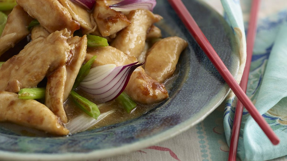 Braised Chicken with Spring Onion in Oyster Sauce