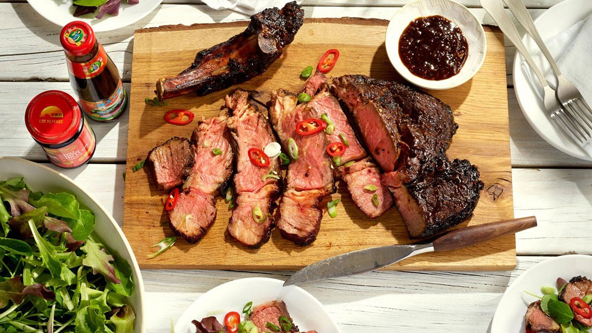 Barbecued Rib of Beef with a Hot & Aromatic Dipping Sauce